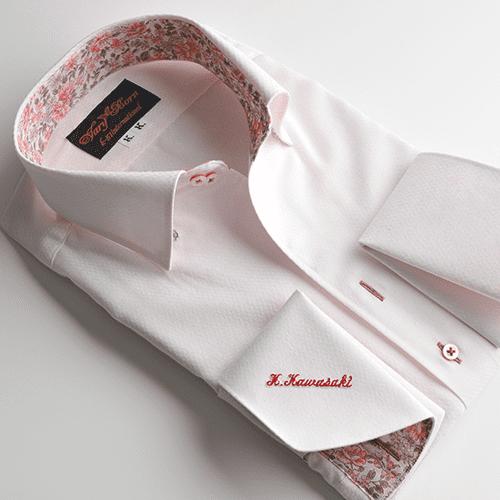 ピンクシャツ×花柄